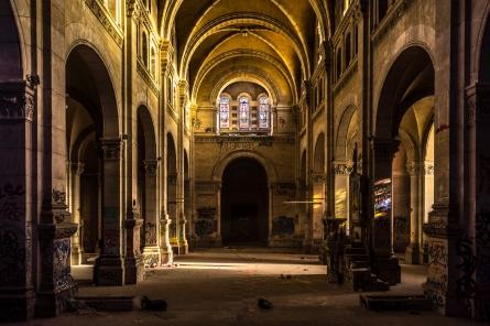 Lyon, France - Dans la nef de l'église du Bon Pasteur