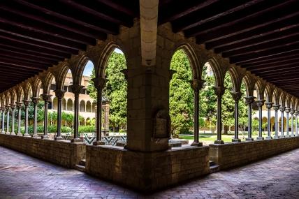 Barcelona : Pedralves Cloister