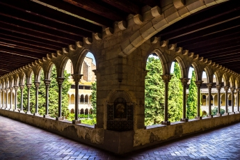 Barcelona : Pedralves, Second Floor Cloister