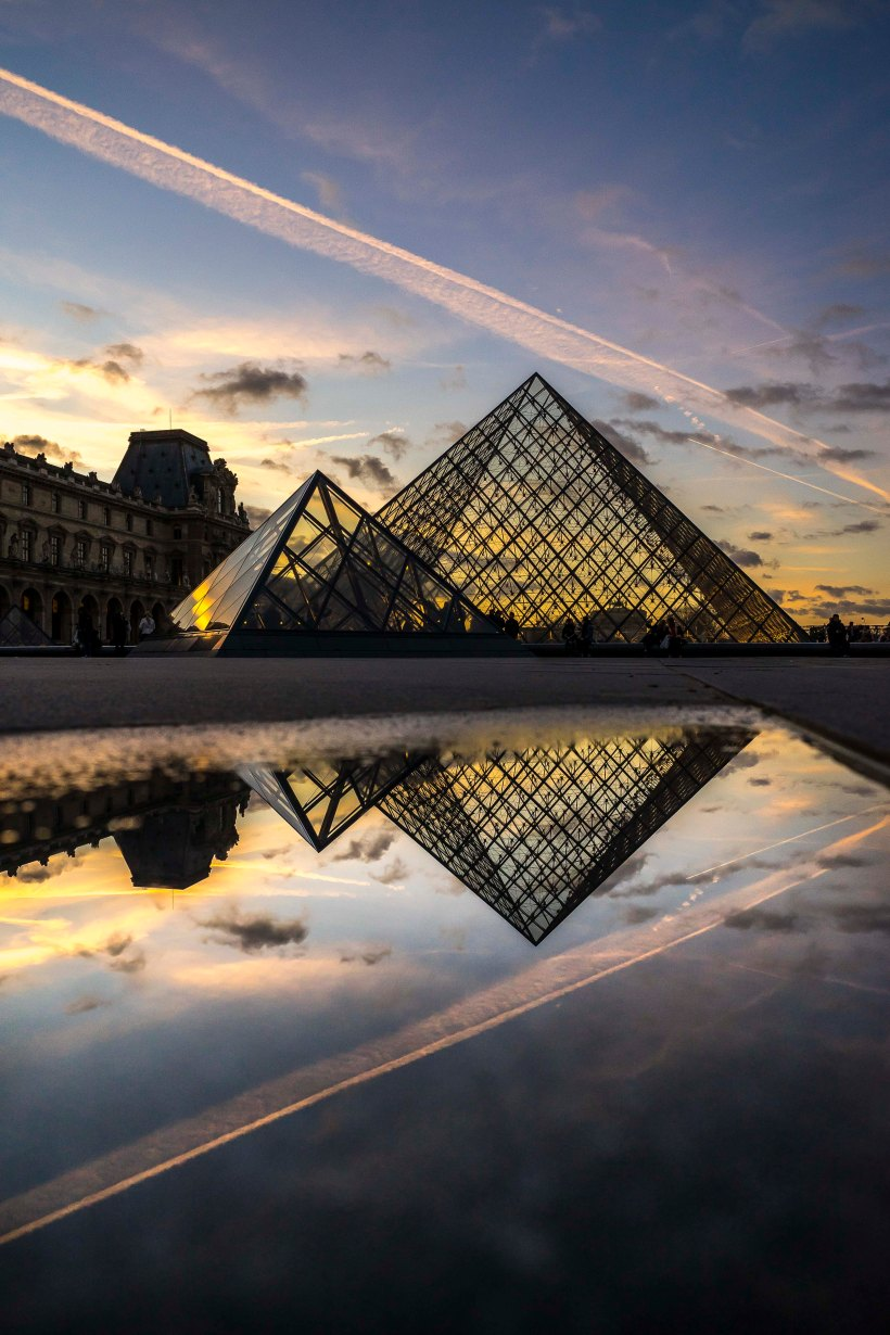 Paris - Diamonds, Pyramids of the Louvre